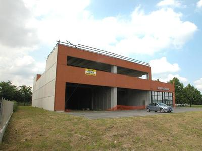 capannone Faenza (RA) Periferia Valle